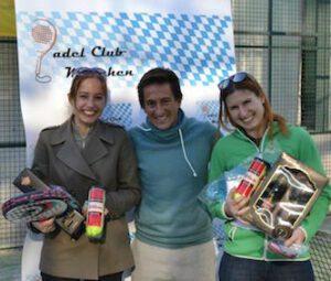 Padel München Sieger Damen - Cristina Grau, Präsident Alvaro Alonso, Silvia Sanz